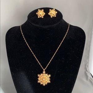 Gold Plated Snowflake Clip-On Jewelry Set